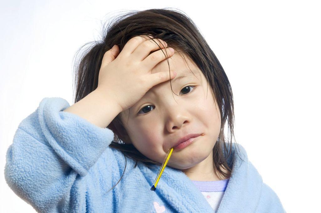 niña con fiebre